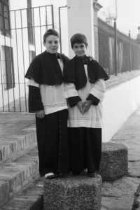 """Los monagillos, de la serie de fotos """"Homenaje a Carmona"""""""